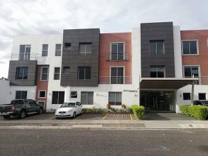Apartamento En Ventaen La Uruca, San Jose, Costa Rica, CR RAH: 21-1707