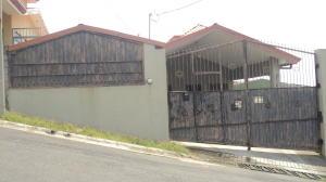 Casa En Ventaen Guadalupe, Goicoechea, Costa Rica, CR RAH: 21-1742