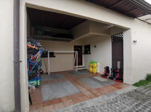 Apartamento En Ventaen Granadilla, Curridabat, Costa Rica, CR RAH: 21-1774