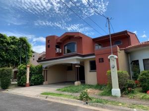 Casa En Ventaen San Joaquin De Flores De Heredia, Flores, Costa Rica, CR RAH: 21-1502