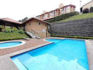 Apartamento En Alquileren La Uruca, San Jose, Costa Rica, CR RAH: 21-1802