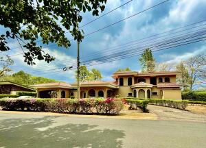 Casa En Ventaen La Guacima, Alajuela, Costa Rica, CR RAH: 21-1811