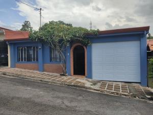 Casa En Ventaen Grecia, Grecia, Costa Rica, CR RAH: 21-1841
