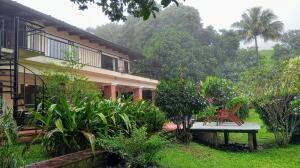 Casa En Alquileren Piedades, Santa Ana, Costa Rica, CR RAH: 21-1846