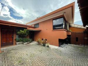 Casa En Ventaen San Jose, San Jose, Costa Rica, CR RAH: 21-1850