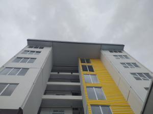 Apartamento En Alquileren Barrio Dent, San Jose, Costa Rica, CR RAH: 21-1855