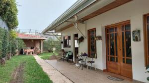 Casa En Ventaen San Pedro, Montes De Oca, Costa Rica, CR RAH: 21-1869