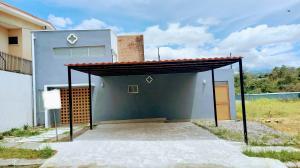Casa En Alquileren Brasil De Santa Ana, Santa Ana, Costa Rica, CR RAH: 21-1655