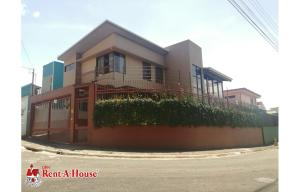 Casa En Ventaen Lomas De Ayarco Sur, Curridabat, Costa Rica, CR RAH: 21-1623