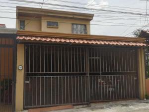 Casa En Ventaen Alajuela Centro, Alajuela, Costa Rica, CR RAH: 21-1889