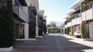 Casa En Ventaen Pozos, Santa Ana, Costa Rica, CR RAH: 21-1951
