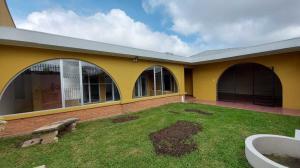 Casa En Ventaen Curridabat, Curridabat, Costa Rica, CR RAH: 21-1956
