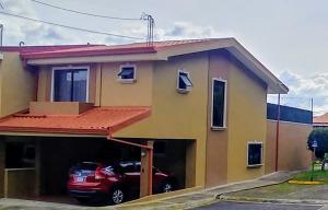 Casa En Ventaen San Antonio, Desamparados, Costa Rica, CR RAH: 21-1967