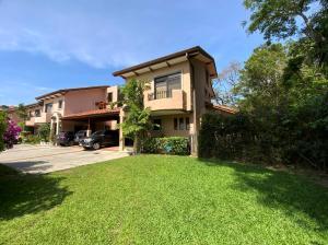 Casa En Ventaen Pozos, Santa Ana, Costa Rica, CR RAH: 21-1984