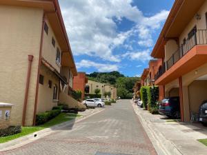 Casa En Ventaen Ciudad Colon, Mora, Costa Rica, CR RAH: 21-732