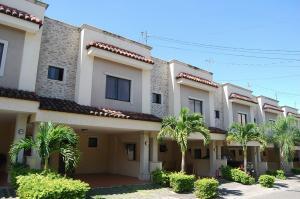 Casa En Ventaen Santa Ana, Santa Ana, Costa Rica, CR RAH: 21-2039