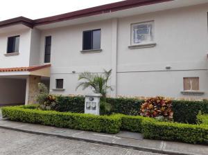 Casa En Ventaen Pozos, Santa Ana, Costa Rica, CR RAH: 21-2093