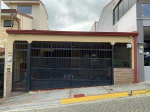 Casa En Ventaen Ulloa, Heredia, Costa Rica, CR RAH: 21-2112