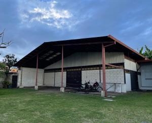 Bodegas En Alquileren San Isidro, Vazquez De Coronado, Costa Rica, CR RAH: 21-2140