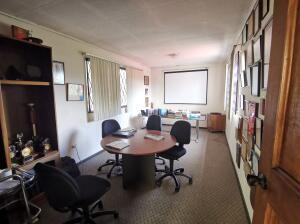 Oficina En Alquileren Pinares, Curridabat, Costa Rica, CR RAH: 21-2149