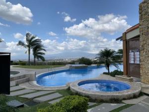 Apartamento En Alquileren Rio Oro, Santa Ana, Costa Rica, CR RAH: 21-2204