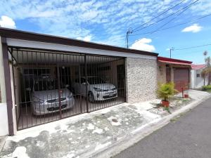 Casa En Ventaen Desamparados, Desamparados, Costa Rica, CR RAH: 21-2216