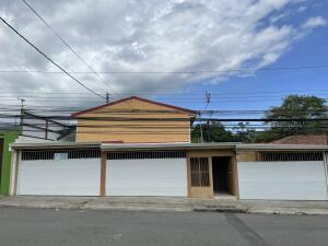 Casa En Ventaen Tres Rios, Cartago, Costa Rica, CR RAH: 21-2234