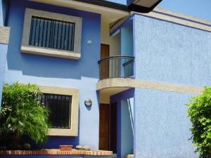 Apartamento En Alquileren Pozos, Santa Ana, Costa Rica, CR RAH: 21-2253