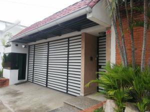 Casa En Ventaen Pavas, San Jose, Costa Rica, CR RAH: 21-2266