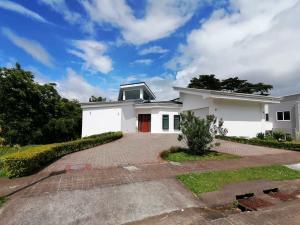 Casa En Ventaen San Isidro, San Isidro, Costa Rica, CR RAH: 21-2273