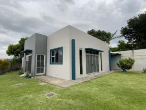 Casa En Alquileren Desamparados, Alajuela, Costa Rica, CR RAH: 21-2272