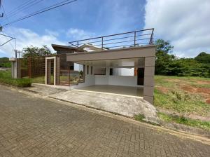 Casa En Alquileren San Ramon, San Ramon, Costa Rica, CR RAH: 21-2292