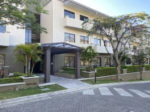 Apartamento En Alquileren Pozos, Santa Ana, Costa Rica, CR RAH: 21-2299