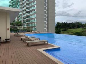 Apartamento En Alquileren Rohrmoser, San Jose, Costa Rica, CR RAH: 21-2305