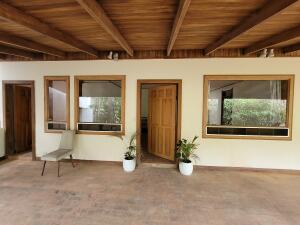 Casa En Alquileren Piedades, Santa Ana, Costa Rica, CR RAH: 21-2316