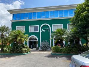 Local Comercial En Ventaen Pozos, Santa Ana, Costa Rica, CR RAH: 21-2346