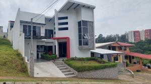 Casa En Ventaen Santo Domingo, Santo Domingo, Costa Rica, CR RAH: 21-2380
