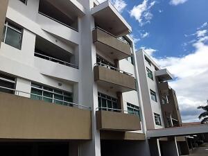 Apartamento En Ventaen Pozos, Santa Ana, Costa Rica, CR RAH: 21-2390