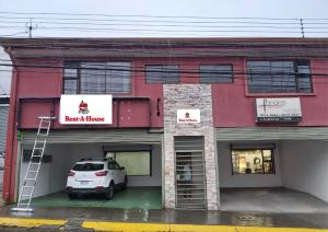 Edificio En Ventaen Heredia Centro, Heredia, Costa Rica, CR RAH: 21-2416