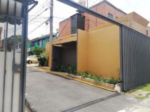 Apartamento En Ventaen Hospital, San Jose, Costa Rica, CR RAH: 21-2396