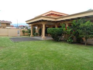 Casa En Ventaen Heredia, Heredia, Costa Rica, CR RAH: 21-2402