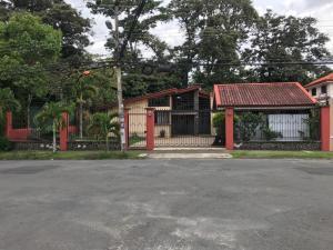 Casa En Ventaen Lomas De Ayarco Sur, Curridabat, Costa Rica, CR RAH: 21-2412