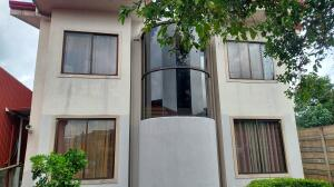 Casa En Ventaen Concepcion, San Rafael, Costa Rica, CR RAH: 21-2434