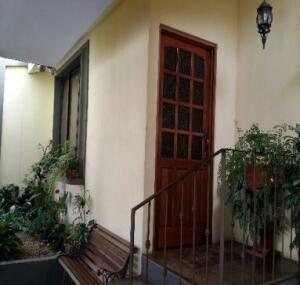 Apartamento En Alquileren Curridabat, Curridabat, Costa Rica, CR RAH: 21-2428