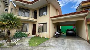 Casa En Ventaen San Francisco De Heredia, Heredia, Costa Rica, CR RAH: 21-2432