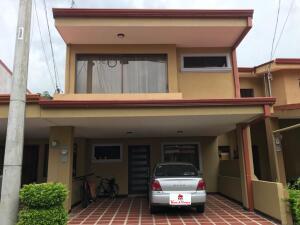 Casa En Ventaen San Antonio, Desamparados, Costa Rica, CR RAH: 21-2304