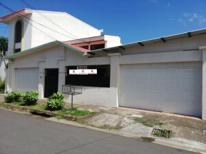 Casa En Alquileren San Vicente, Moravia, Costa Rica, CR RAH: 21-2437