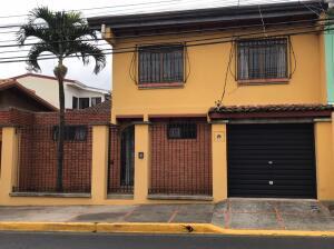 Casa En Ventaen Heredia Centro, Heredia, Costa Rica, CR RAH: 21-2441