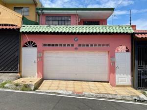 Casa En Ventaen San Juan, Tibas, Costa Rica, CR RAH: 21-2484