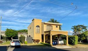 Casa En Ventaen San Francisco De Heredia, Heredia, Costa Rica, CR RAH: 21-2486